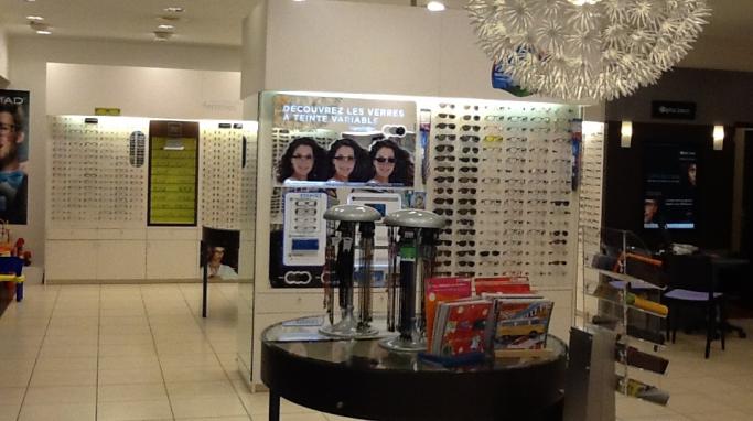 opticien optic 2000 poitiers 86000 lunettes femme lunettes homme optic 2000. Black Bedroom Furniture Sets. Home Design Ideas